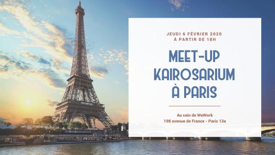 Sur la gauche de l'image, une superbe photo de la Tour Eiffel avec une vue montante, et sur la droite de l'image, un carré blanc avec le texte de l'invitation au meet-up, lieu, date etc.